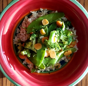 Vegetables with Spicy Honey Peanut Sauce
